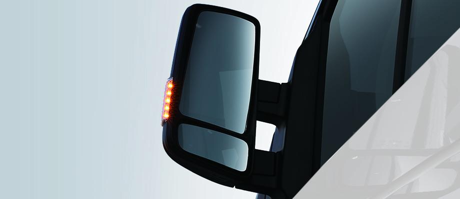 Gương chiếu hậu  Kiểu gập, trang bị gương cầu, tích hợp đèn LED, góc quan sát rộng.