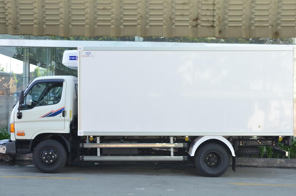 gia-xe-tai-hyunda-hd99-thung-dong-lanh Báo giá xe tải Hyundai HD99 đông lạnh tải trọng 6,5 tấn | Hyundai Phú Lâm