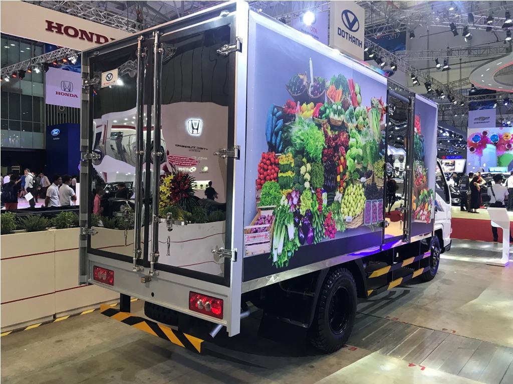 thung-mui-bat-iz-49 Xe tải DoThanh IZ49 2,5 tấn nổi bật tại MotoShow 2017 | Hyundai Phú Lâm