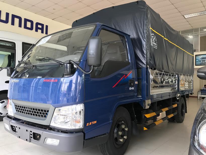 xe-tai-iz49-24tan Báo giá xe tải 2,4 tấn Đô Thành IZ49 thùng mui bạt tiêu chuẩn | Hyundai Phú Lâm