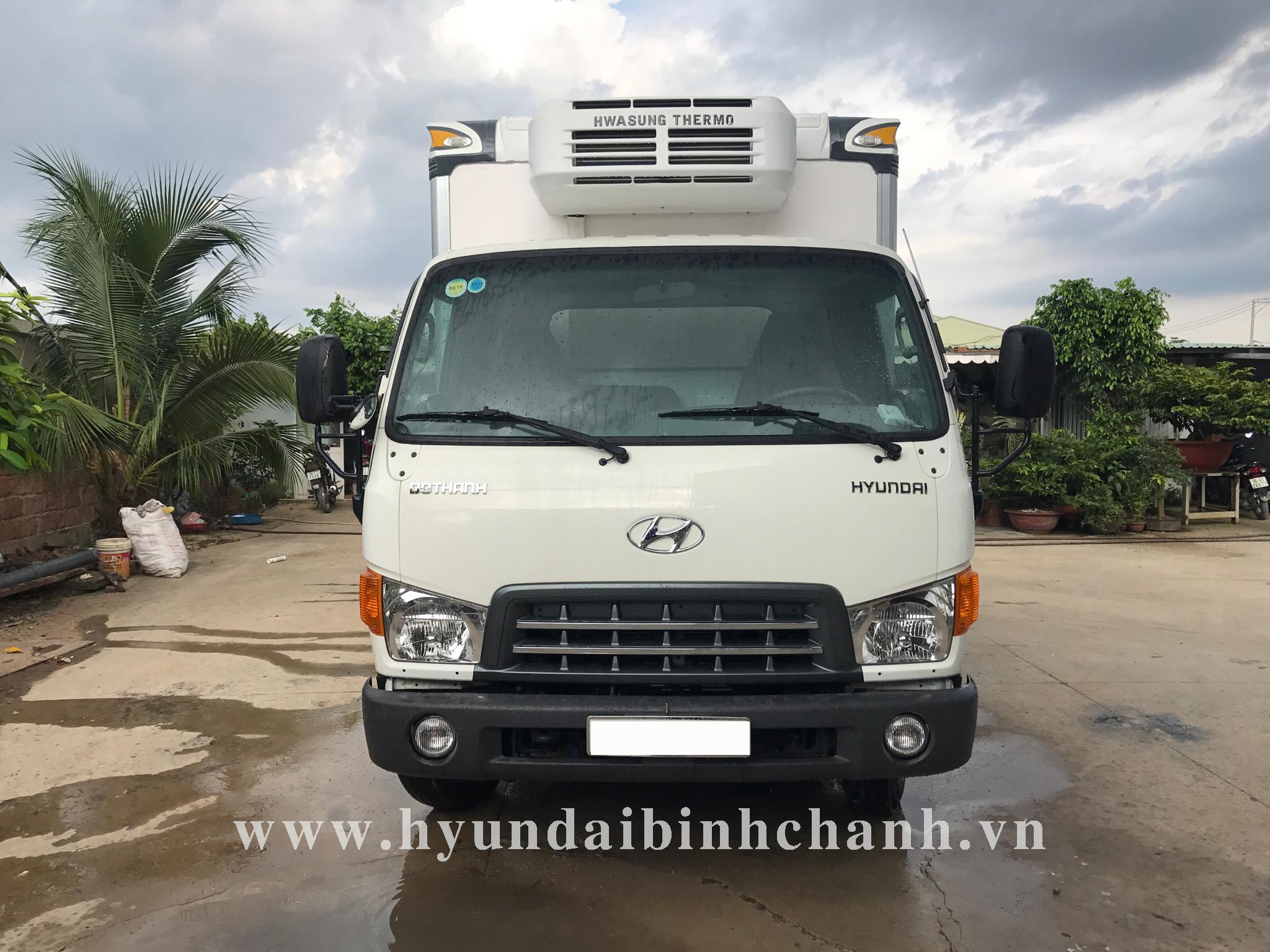 xe-tai-dong-lanh-6-tan-hyundai-hd99 Thùng đông lạnh Hyundai HD99 có khung treo thịt heo | Hyundai Phú Lâm