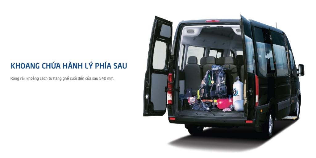 Khoang chứa hành lý  Khoang chứa hành lý phía sau rộng rãi, với chiều sâu 540 mm.