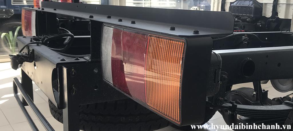 dan-lai-hd65-hd72-hd99 Phụ tùng chính hãng: Đèn lái sau Hyundai HD65, HD72, HD99 | Hyundai Bình Chánh