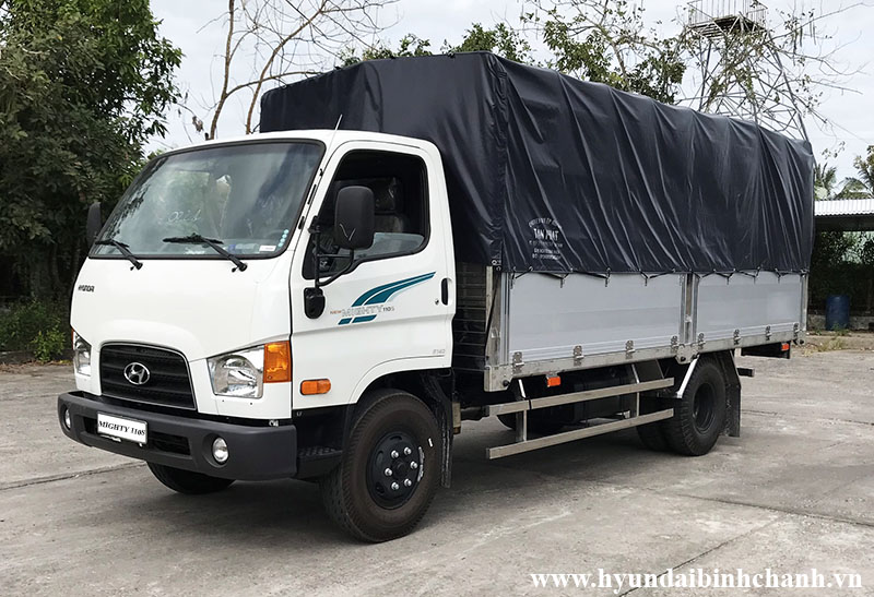 hyundai-mighty-110s-thung-mui-bat.jpg